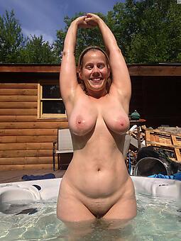 pretty mature ladies tits nude pics