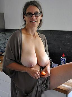 perfect mature mama Bristols nude pics