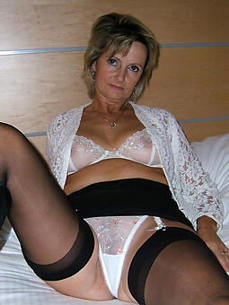 hot ladies fro lingerie stripping