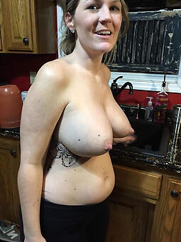 juggs full-grown mom naked