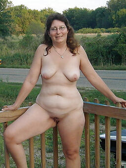 amature mature fit together outdoors undress