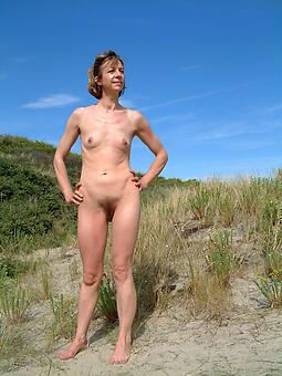 matures with small tits tiro free pics