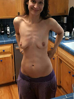 skinny moms undecorated stripping