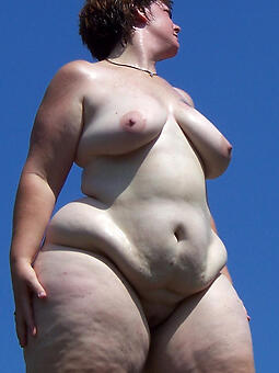 hot curvy moms stripping