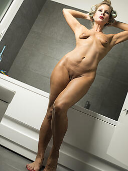 hot dispirited nipper legs xxx pics