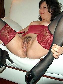 juggs mature woman on touching stockings