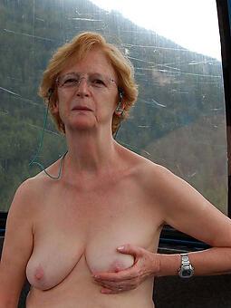 hot old moms Bohemian porn pics