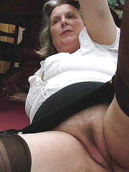 nude moms drop 60 stripping