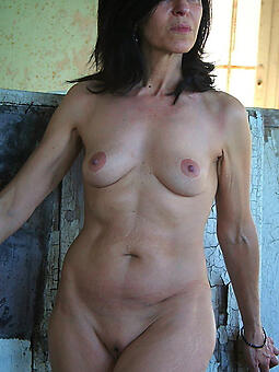 beautiful unembellished moms free porn pics