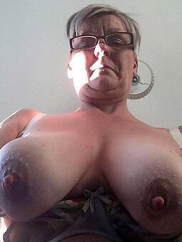 hotties perfect mature boobs
