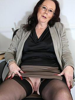 mom upskirts unconforming porn pics