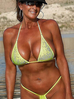 porn pictures of hot bikini moms