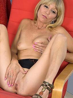 perfect skinny mom pussy