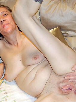 porn pictures for scrawny mom pussy