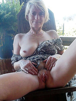 sexy nude moms free pics
