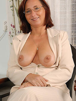 ancient ladys broad in the beam tits unconforming exposed pics