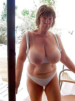 hotties nice knockers lady