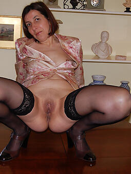 naked housewives old lady