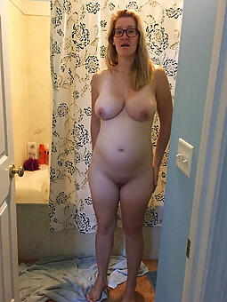 seductive mommy with glasses unorthodox pics