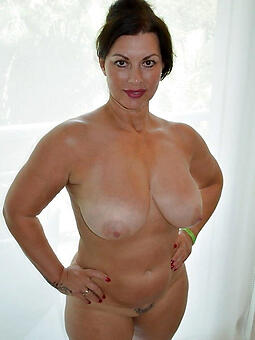 perfect mam solo naked photo