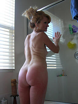 nude pictures of mature beamy ass tits