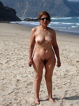 nude ladies on the seaside hot porn pics