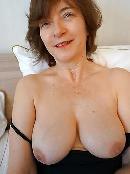 mommy boobs hot porn pics