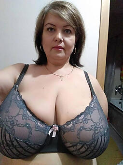 unfold pictures of mommy boobs