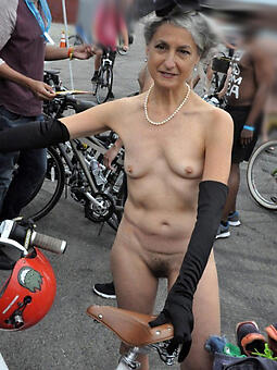 classy naked strata pic