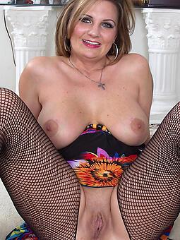 curvy classy naked ladies