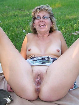 undecorated mature girlfriends porn pic