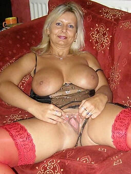 undressed mature girlfriends porno