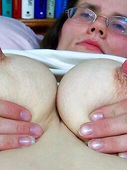 hotties mama nipples
