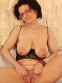 mom with glasses Bohemian bared pics