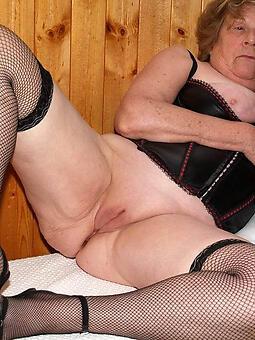 cougar X-rated nude grandmas pics