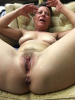 wild moms pussy pics