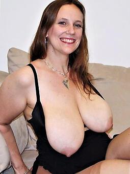 mature saggy tits free porn pics