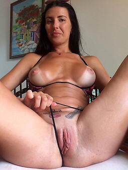 sexy nude shaved squirearchy stripping