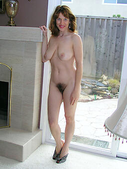 lay bare pictures of skinny moms