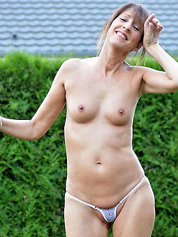 mature landowners with small tits xxx pics