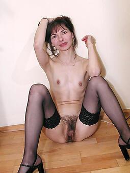 cougar mature small tits nude