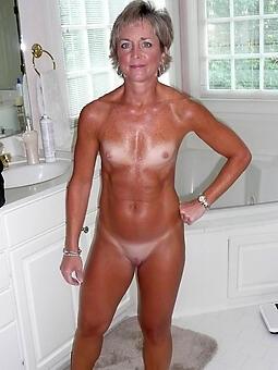 mature snug tits sexy porn pics