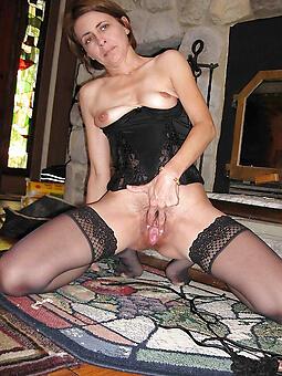 whore mom solo photo