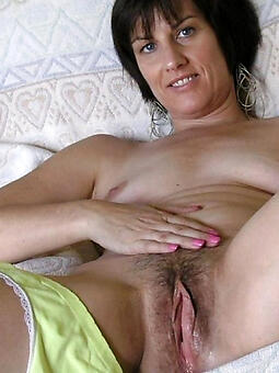 undressed pictures of hairy full-grown pussy