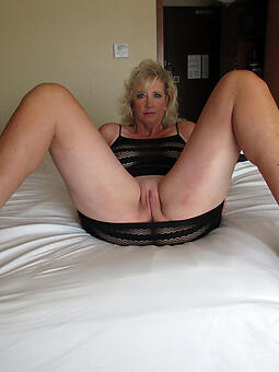 moms in heels free naked pics