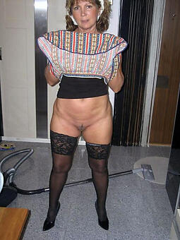 porn pictures of moms legs