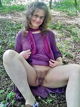 perfect unshod nude ladies outdoors