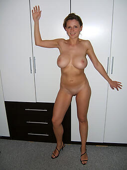 30 year old mom easy naked pics