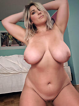 busty naked ladies free pics