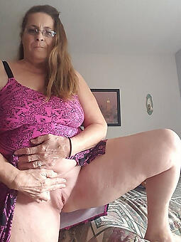 juggs nourisher showing pussy